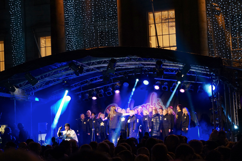 Light Night Welcoming Christmas To Edinburgh Bembes Abroad